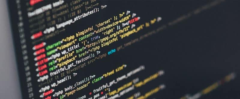Photographie d'un écran d'ordinateur sur lequel se trouve des lignes de code php